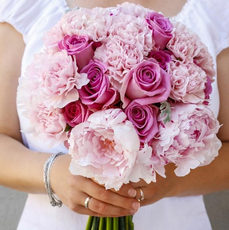 Czym zastąpić piwonie w bukiecie ślubnym? Porady eksperta