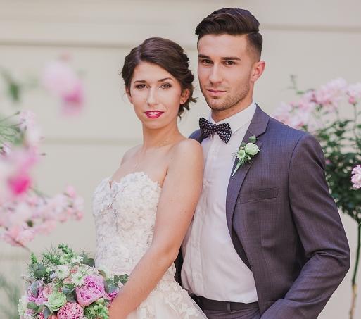 Romantyczna sesja ślubna w odcieniach różu i mięty