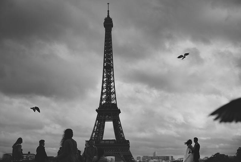 A może Paryż? Plenerowa sesja ślubna