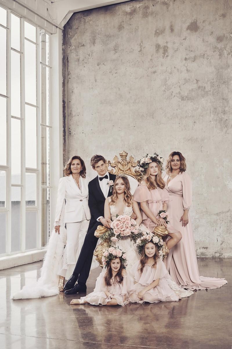 46ab48e67042ff ślub wesele suknia ślubna kolekcja ślubna Dorota Goldpoint Szapołowska  sesja ślubna rodzinna inspiracje