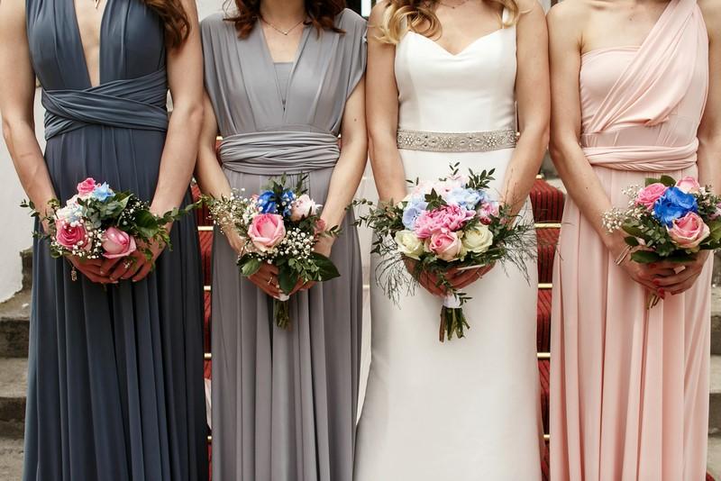 506c13a8e9 Kolor sukienki dla druhny - czy pastelowe kreacje to jedyna opcja  ślub  wesele druhna świadkowa ...