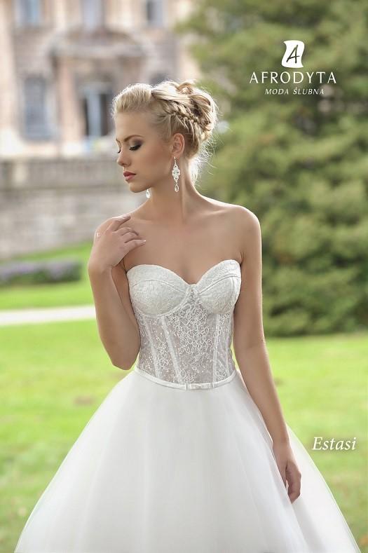 c51f98b1d8 suknie ślubne dla Panien Młodych z małym biustem