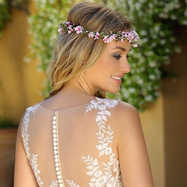 Trendy w sukniach ślubnych 2018 – propozycje marki Ladybird Wedding Dresses