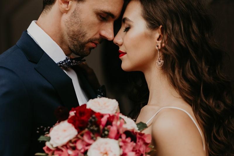 Tych ujęć nie może zabraknąć w reportażu ślubnym -trendy w fotografii ślubnej 2019