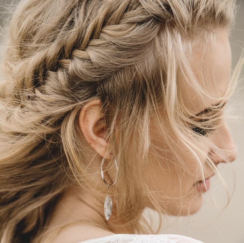 Panna Młoda w stylu boho – trendy w  biżuterii Apart